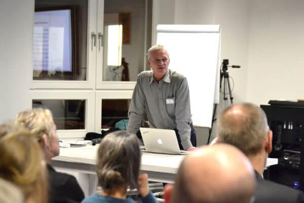 Jens Albrecht beim Vortrag auf der IDUGHH #27 im November 2018 über WordPress Basics.